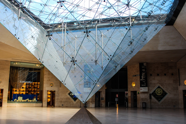 Piramide Louvre / 3